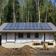Lasquiti-Island-Last-Resort-Solar-Project-05.jpg
